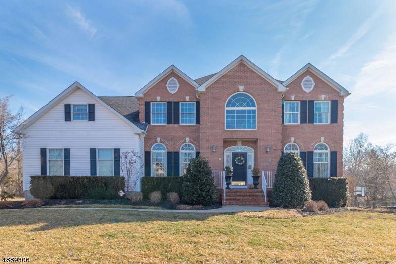 Maison unifamiliale pour l Vente à 6 Perry Street Peapack Gladstone, New Jersey 07977 États-Unis