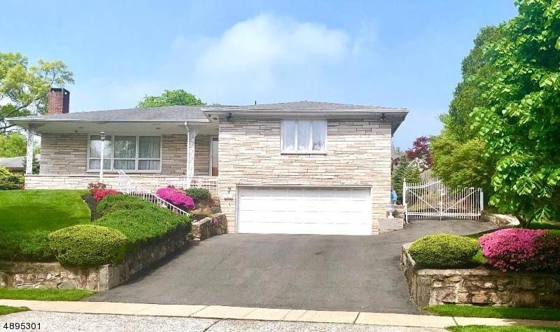 single family homes pour l Vente à Cranford, New Jersey 07016 États-Unis