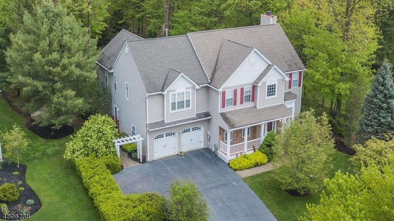 Single Family Homes für Verkauf beim Bloomingdale, New Jersey 07403 Vereinigte Staaten