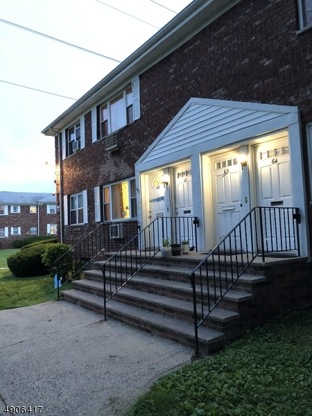 Condo / Townhouse for Sale at Middlesex, New Jersey 08846 United States
