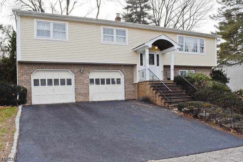 Single Family Homes per Vendita alle ore Woodland Park, New Jersey 07424 Stati Uniti