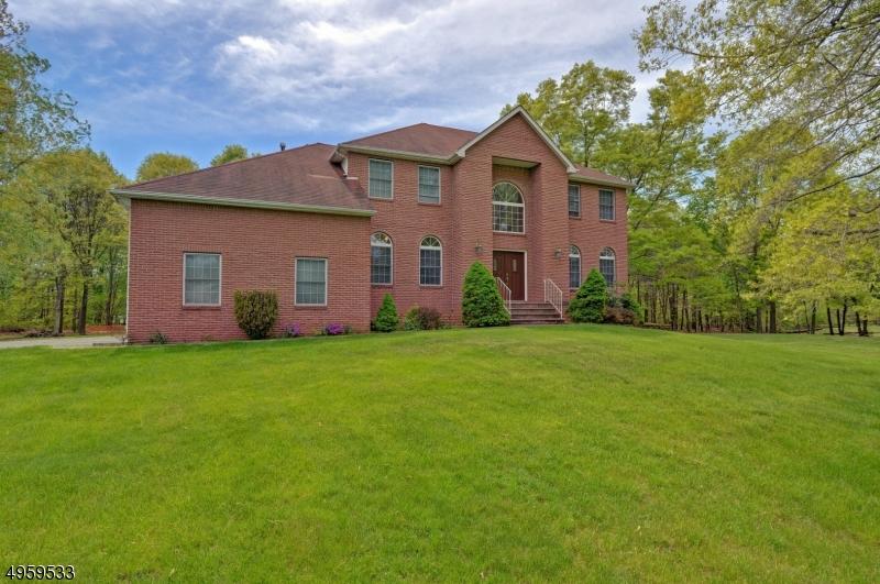 Single Family Homes vì Bán tại Marlboro, New Jersey 07751 Hoa Kỳ