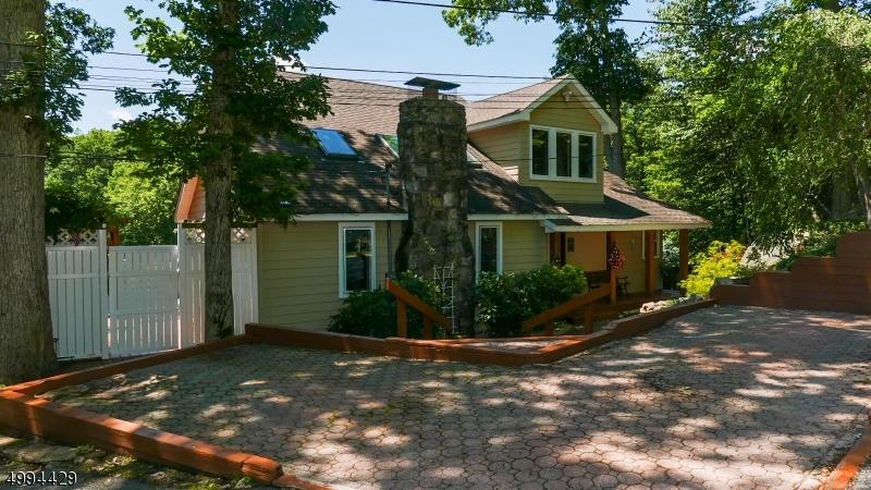 Single Family Homes för Försäljning vid Hopatcong, New Jersey 07821 Förenta staterna