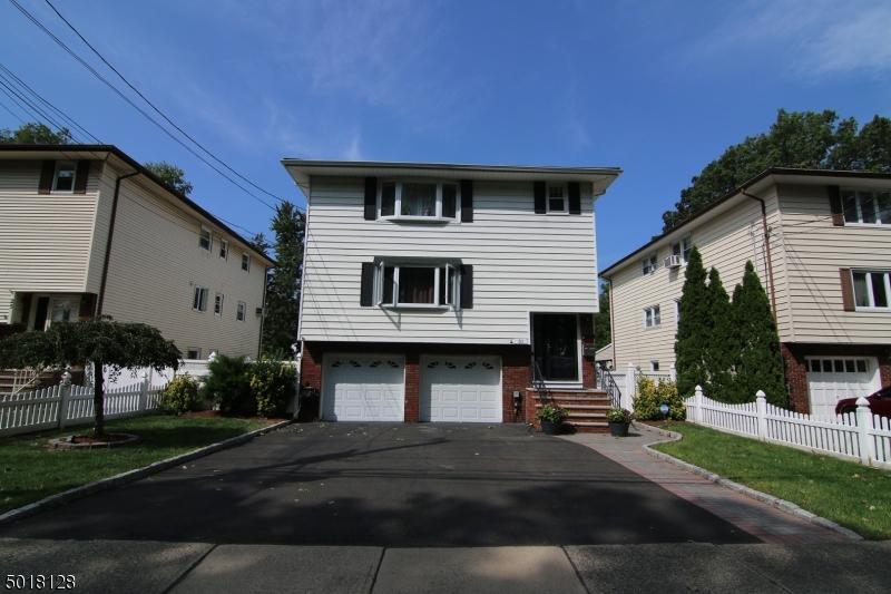 Multi-Family Homes por un Venta en Elmwood Park, Nueva Jersey 07407 Estados Unidos