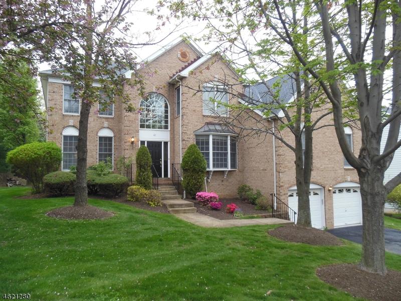 Maison unifamiliale pour l Vente à 43 Sentinel Drive Basking Ridge, New Jersey 07920 États-Unis