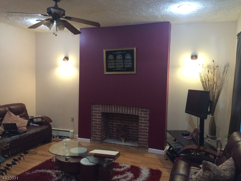 Additional photo for property listing at 888-890 South 16TH Street  Newark, New Jersey 07108 États-Unis
