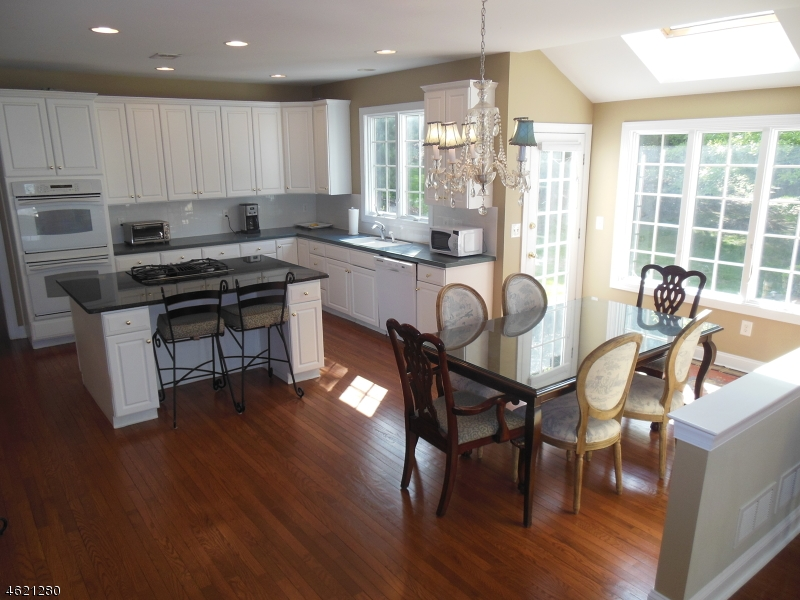 Additional photo for property listing at 43 Sentinel Drive  Basking Ridge, New Jersey 07920 États-Unis
