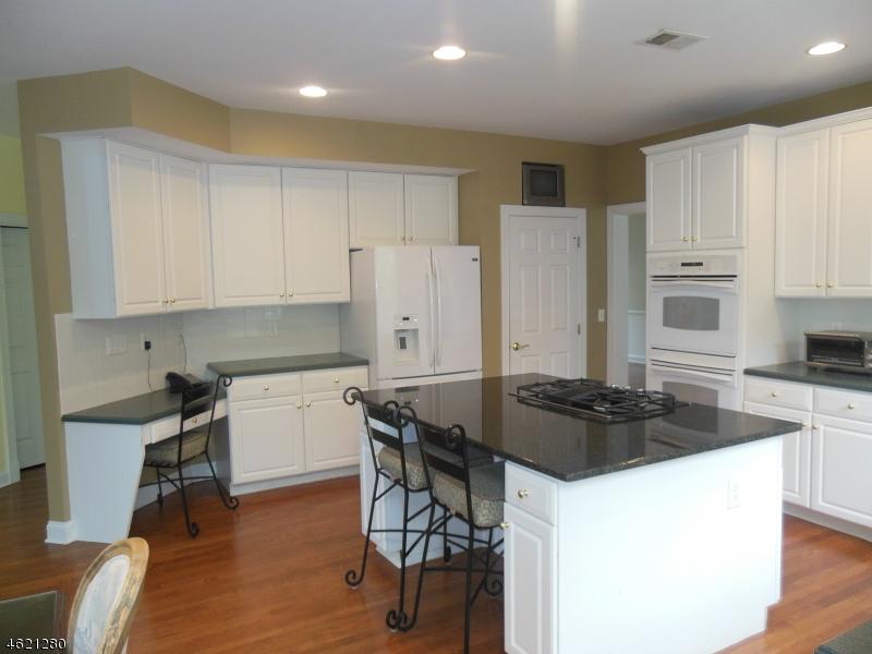 Additional photo for property listing at 43 Sentinel Drive  Basking Ridge, Nueva Jersey 07920 Estados Unidos