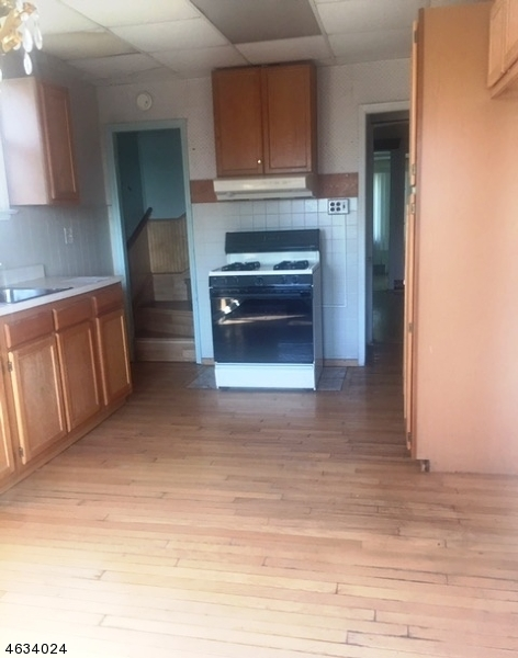 Additional photo for property listing at 162 Barbour Street  Haledon, Nueva Jersey 07508 Estados Unidos