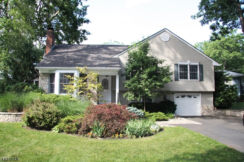 Additional photo for property listing at 263 Canterbury Drive  Ramsey, New Jersey 07446 United States
