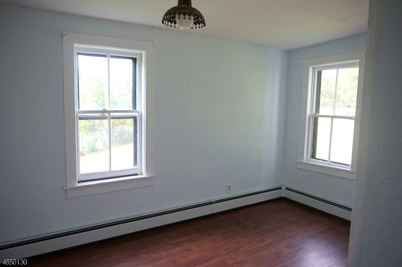 Additional photo for property listing at 212 Mission Road  Hackettstown, New Jersey 07840 États-Unis