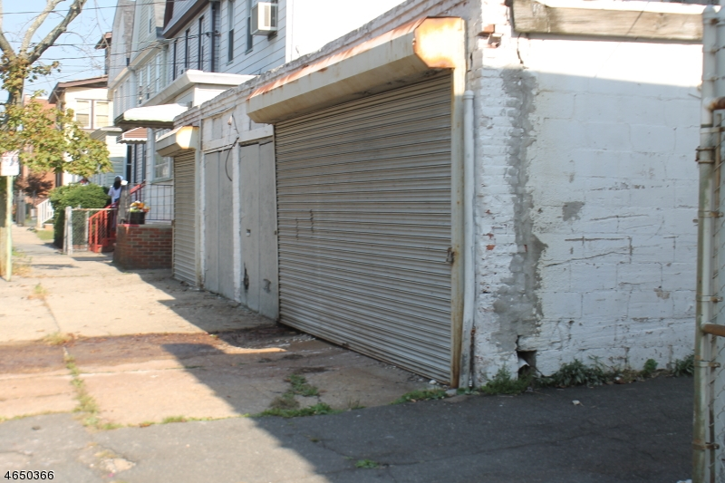 Additional photo for property listing at 46 Grace Street  Irvington, 新泽西州 07111 美国