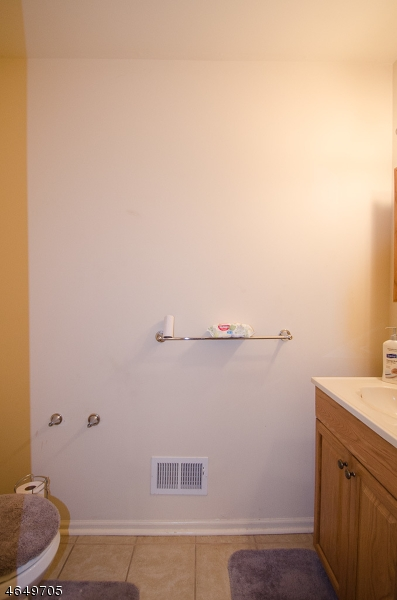 Additional photo for property listing at 754 E FRONT ST UNIT 8  平原镇, 新泽西州 07060 美国