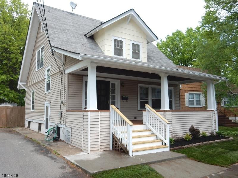 Maison unifamiliale pour l Vente à 1428 Church Street Rahway, New Jersey 07065 États-Unis
