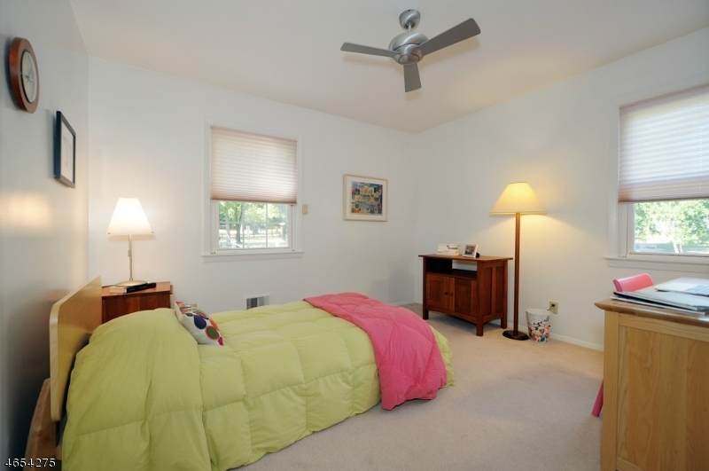 Additional photo for property listing at 22 Aberdeen Road  Scotch Plains, New Jersey 07076 États-Unis