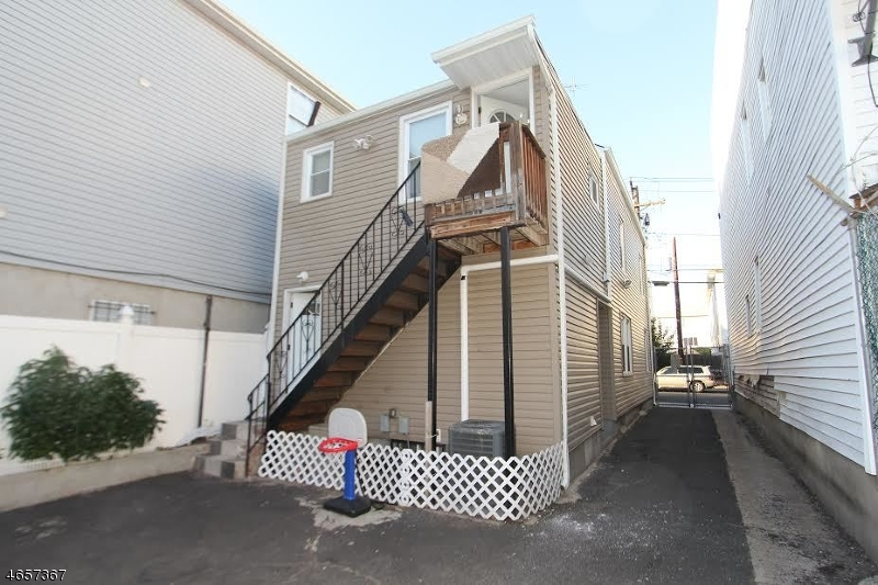Additional photo for property listing at 82 Thomas Street  Newark, New Jersey 07114 United States