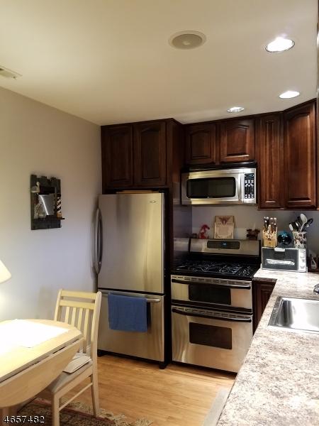 Additional photo for property listing at 5 Arapahoe Dr, UNIT 7  Vernon, Нью-Джерси 07462 Соединенные Штаты