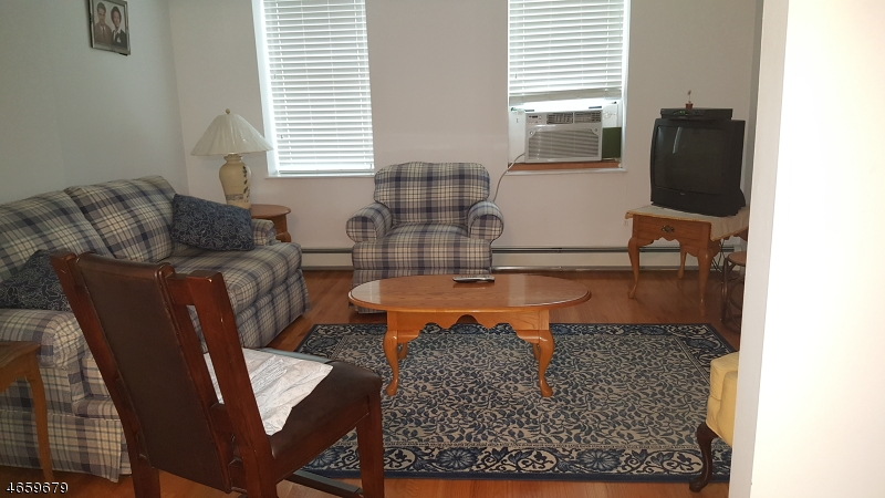 Additional photo for property listing at 10 Marne Street  Newark, New Jersey 07105 United States