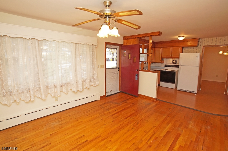 Additional photo for property listing at 11 Locust Street  Netcong, New Jersey 07857 United States