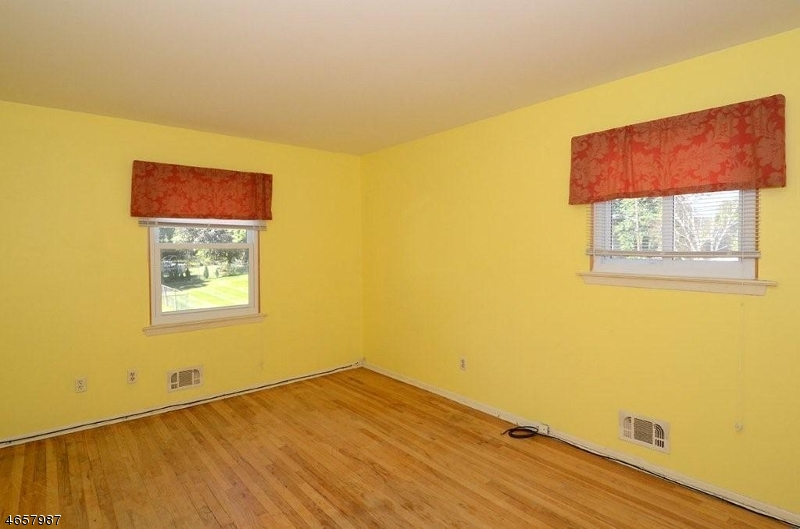 Additional photo for property listing at 33 Bolton Road  Flanders, New Jersey 07836 États-Unis