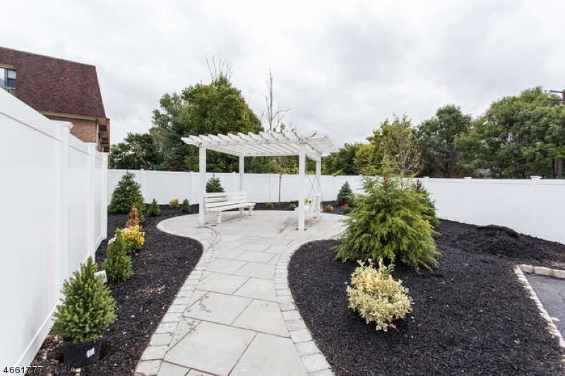 Additional photo for property listing at 59 Willet Street  Bloomfield, New Jersey 07003 États-Unis