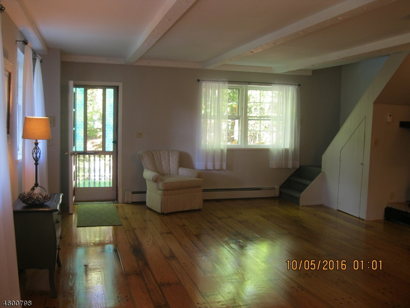 Additional photo for property listing at 1 Donna Lane  韦恩, 新泽西州 07470 美国