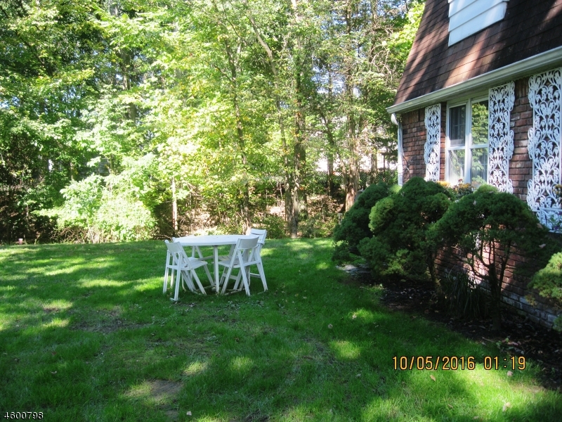 Additional photo for property listing at 1 Donna Lane  Wayne, Nueva Jersey 07470 Estados Unidos
