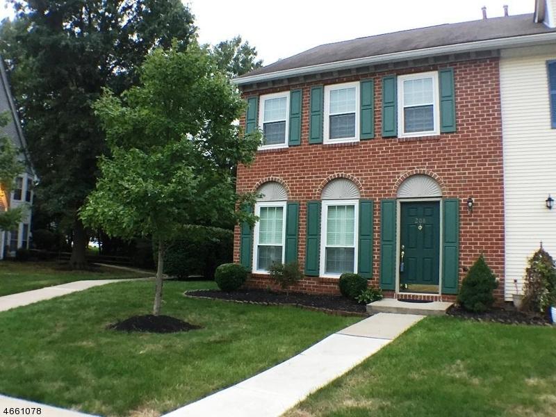 Частный односемейный дом для того Аренда на 208 Red Crest Lane Somerville, 08876 Соединенные Штаты