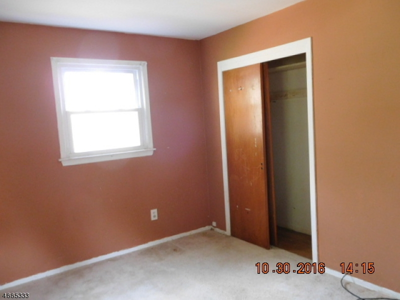 Additional photo for property listing at 186 Tomahawk Trail  Sparta, New Jersey 07871 United States