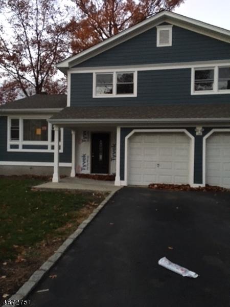 Частный односемейный дом для того Продажа на 420 W 4th Avenue Roselle, 07203 Соединенные Штаты