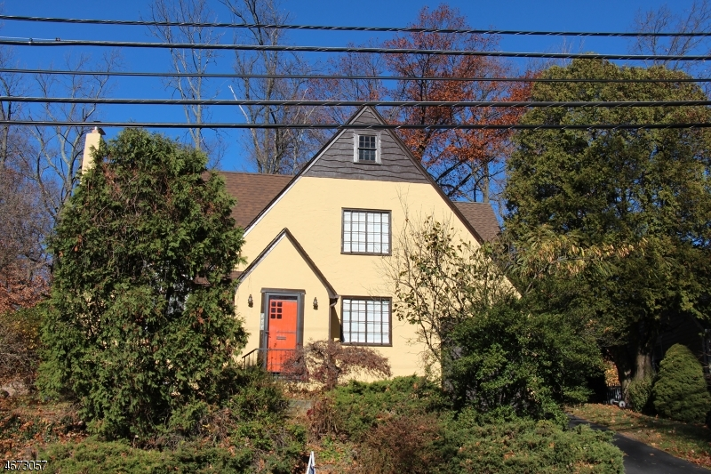 Single Family Home for Rent at Address Not Available Caldwell, 07006 United States