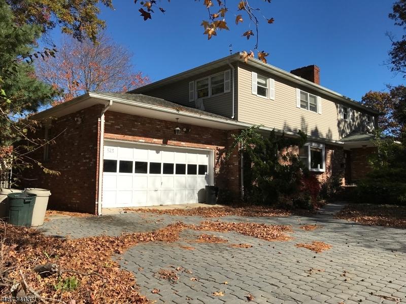 Maison unifamiliale pour l Vente à 523 Shrewsbury Avenue Oceanport, New Jersey 07757 États-Unis