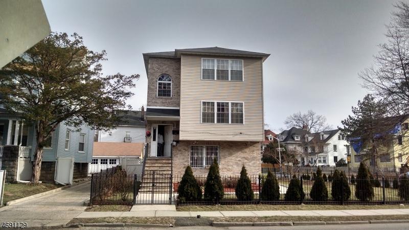 多户住宅 为 销售 在 140 S BURNET Street East Orange, 07018 美国