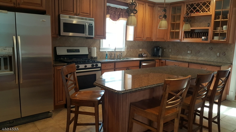 Single Family Home for Rent at 3-06 Bellair Fair Lawn, New Jersey 07410 United States