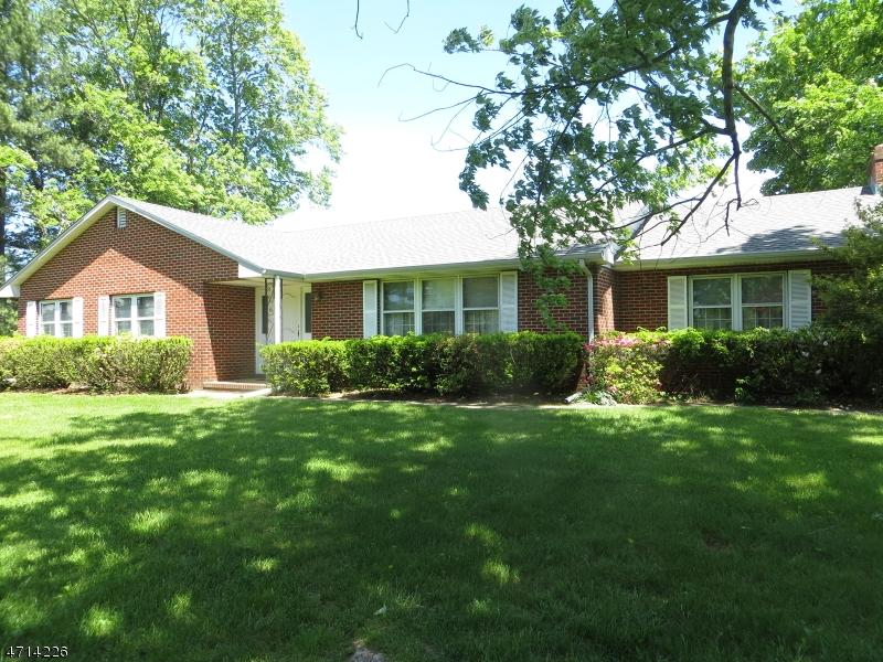 Maison unifamiliale pour l Vente à Address Not Available Hainesport Township, New Jersey 08036 États-Unis