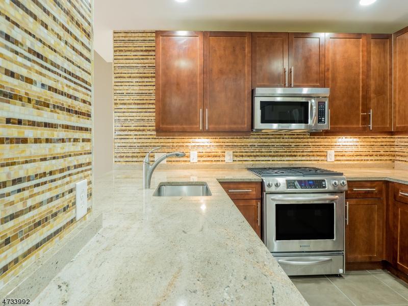 Частный односемейный дом для того Продажа на 201 Marin Blvd Jersey City, Нью-Джерси 07302 Соединенные Штаты