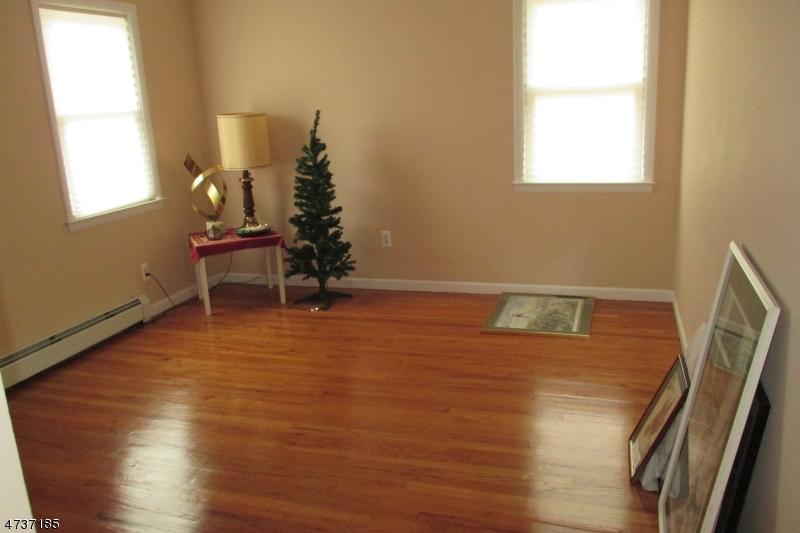 Casa Unifamiliar por un Alquiler en 307 S Michigan Avenue Kenilworth, Nueva Jersey 07033 Estados Unidos