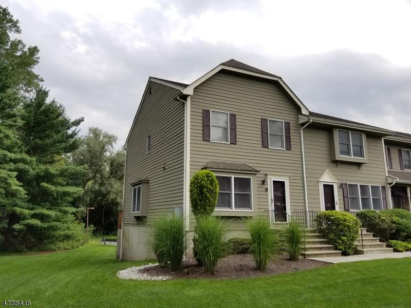 Частный односемейный дом для того Аренда на 152 Lincoln Park Road Pequannock, Нью-Джерси 07440 Соединенные Штаты