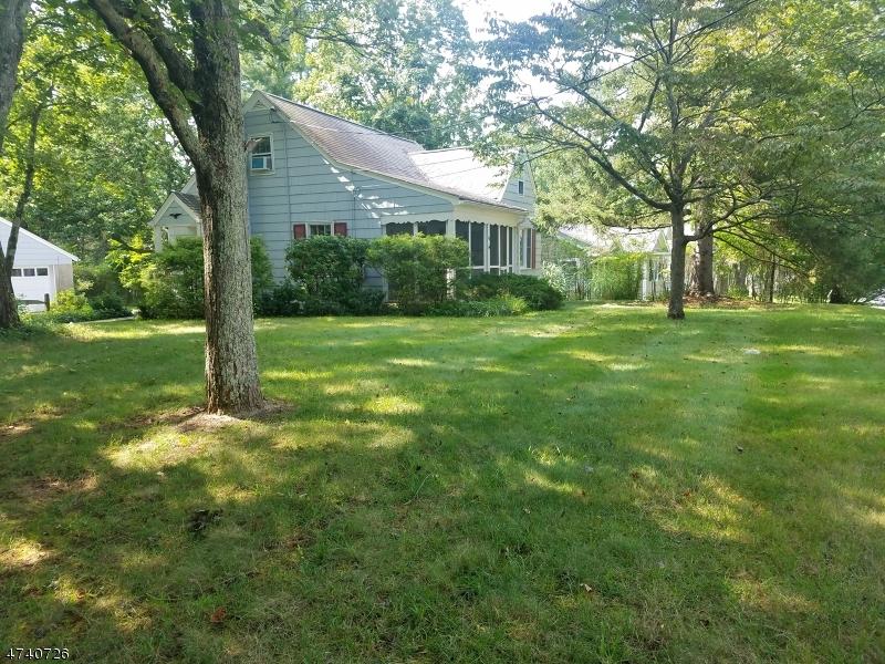 Частный односемейный дом для того Продажа на 54 Mountain Avenue Mendham, Нью-Джерси 07945 Соединенные Штаты