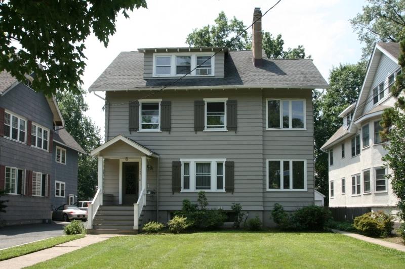 Частный односемейный дом для того Аренда на 198 Lorraine Avenue Montclair, Нью-Джерси 07043 Соединенные Штаты
