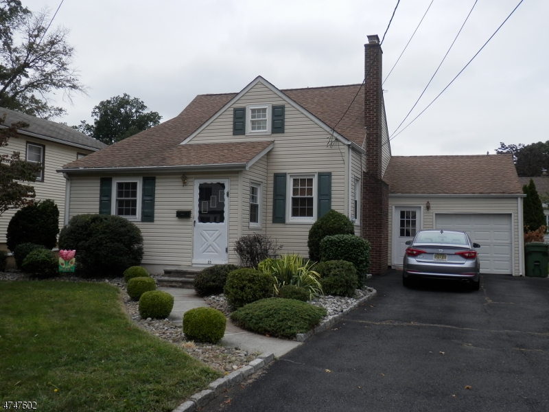 Single Family Home for Sale at 28 Robbinwood Ter Linden, New Jersey 07036 United States