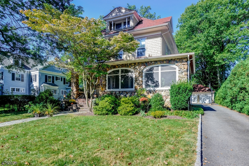 Single Family Home for Sale at 5 Hampton Street 5 Hampton Street Cranford, New Jersey 07016 United States
