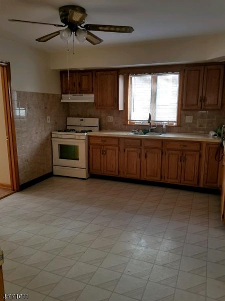 Maison unifamiliale pour l à louer à 139 Main Street Garfield, New Jersey 07026 États-Unis