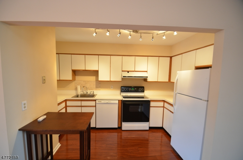 Maison unifamiliale pour l à louer à 54 Westchester Ter Clinton, New Jersey 08801 États-Unis