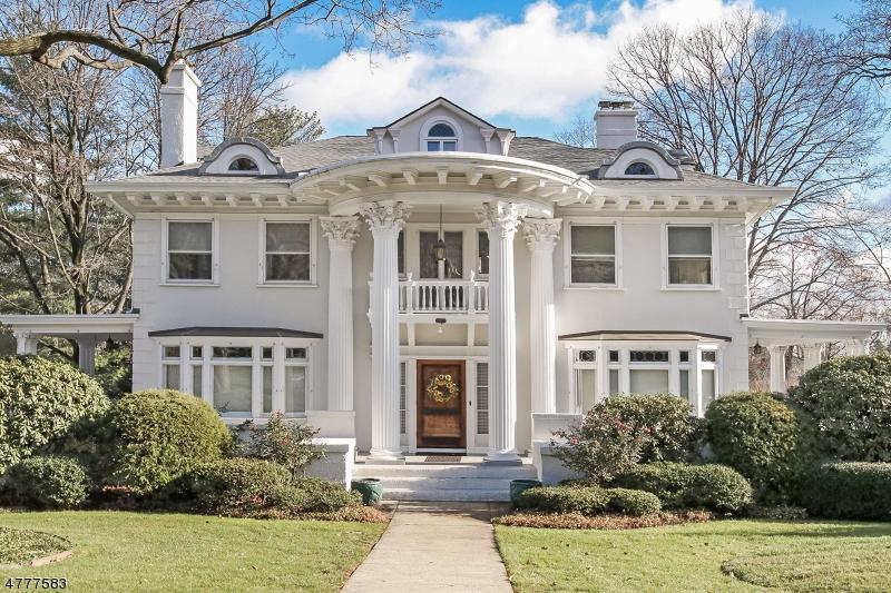 واحد منزل الأسرة للـ Sale في 147 S Mountain Avenue 147 S Mountain Avenue Montclair, New Jersey 07042 United States
