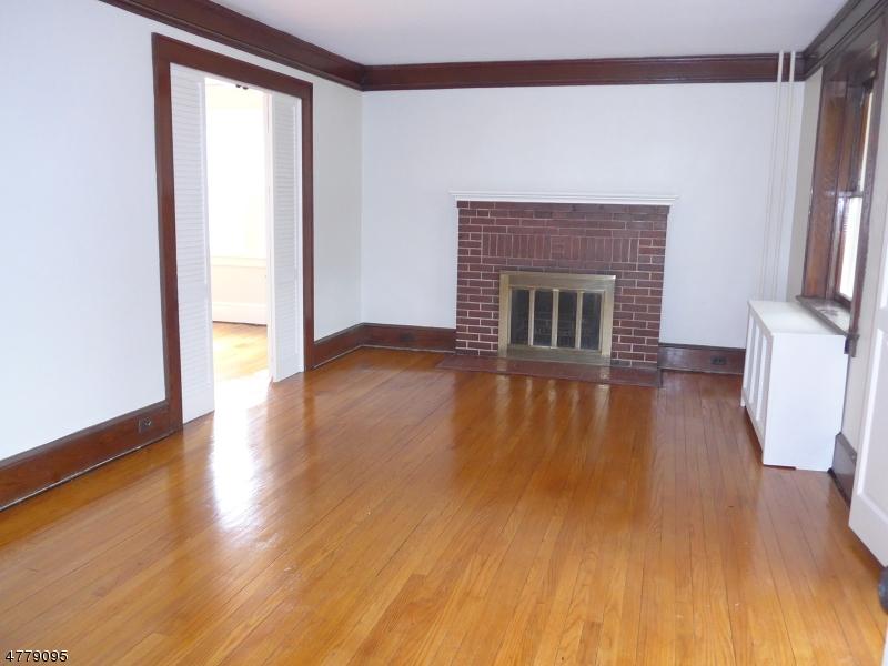 Частный односемейный дом для того Аренда на 420 W Main Street Boonton, Нью-Джерси 07005 Соединенные Штаты