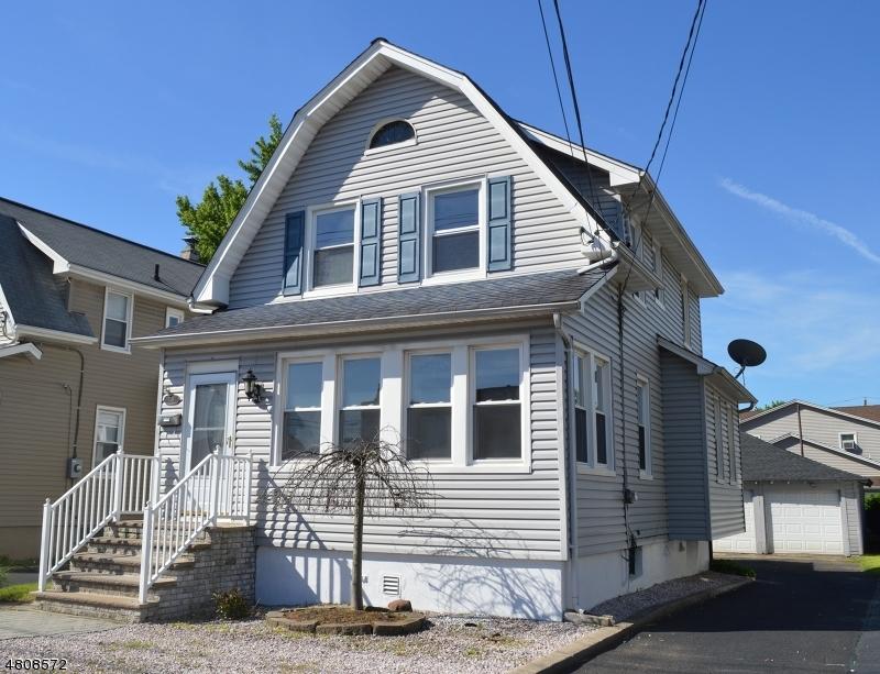 Частный односемейный дом для того Продажа на 738 RUTHERFORD Avenue Lyndhurst, Нью-Джерси 07071 Соединенные Штаты