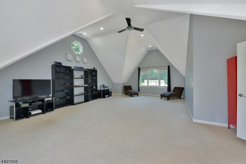 Additional photo for property listing at 3 LOLA Court  Jefferson Township, Nova Jersey 07438 Estados Unidos