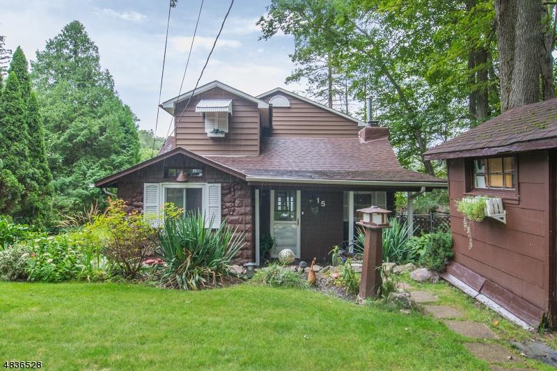 独户住宅 为 销售 在 15 Mary Street 西米尔福德, 新泽西州 07480 美国
