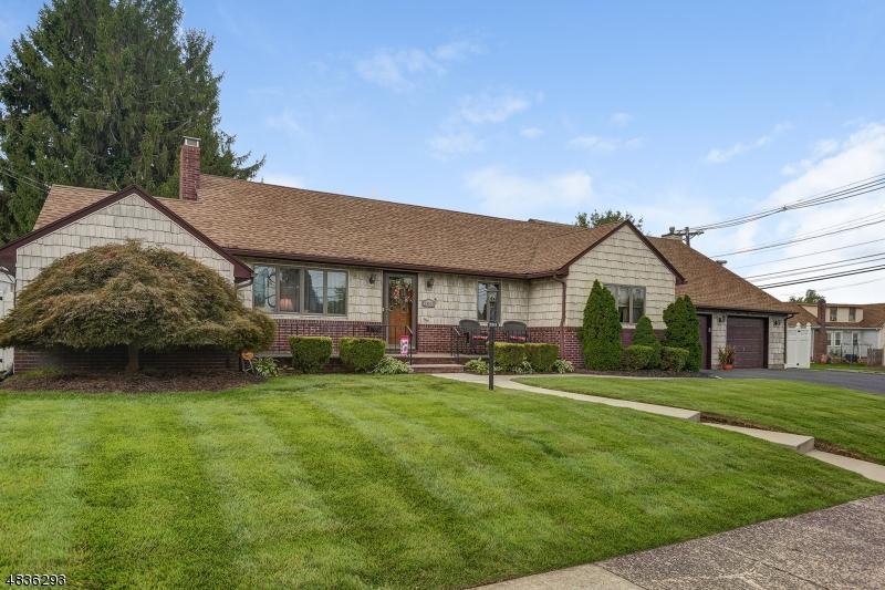 Einfamilienhaus für Verkauf beim 2815 ORCHARD TER Linden, New Jersey 07036 Vereinigte Staaten